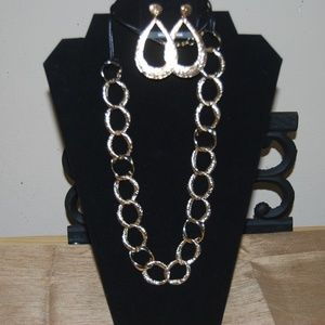 Jewelry - Necklace/ ear ring set